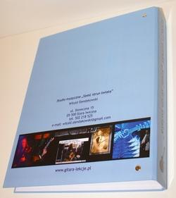 """Segregator SEKRETY GITARY """"Sześć strun świata"""" - wyselekcjonowane materiały do nauki gry na gitarze"""